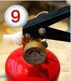温馨提示:您家中应常备以下四样灭火工具